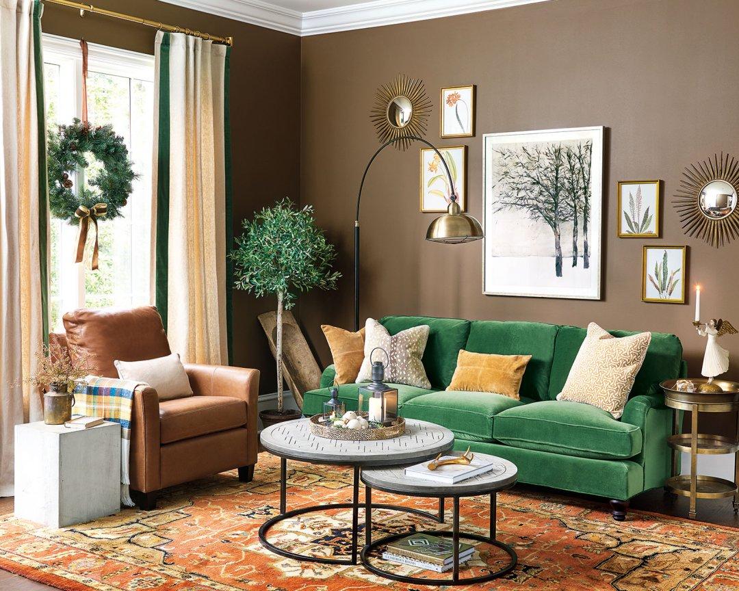 Декорируем старый диван [3 крутых приема]