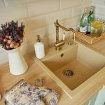 Нержавейка или искусственный камень: какую раковину для кухни выбрать?
