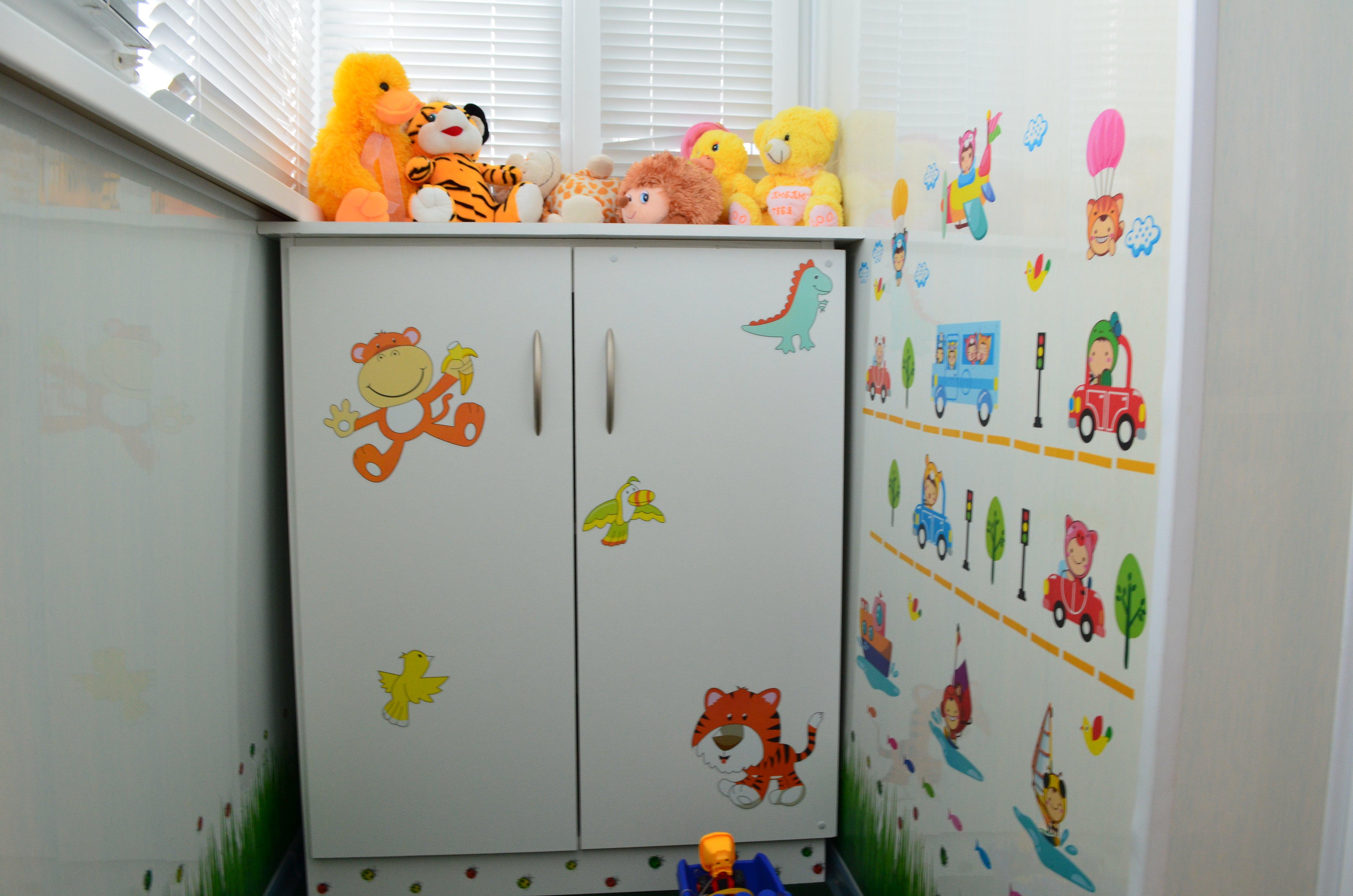 Как можно грамотно использовать балкон в детской комнате?