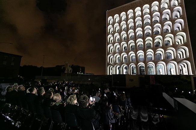 Palazzo della Civiltà Italiana использовали как полотно для 3D-шоу