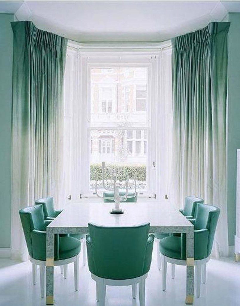 голубые стулья