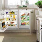 холодильник под столом