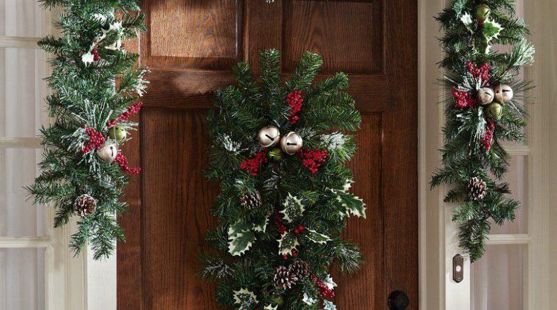 Как украсить дверь к Новому году