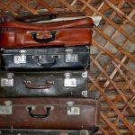 Варианты декупажа старого чемодана: несколько интересных идей