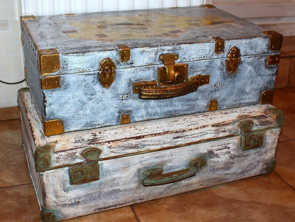 Декупаж чемодана в стиле шебби шик