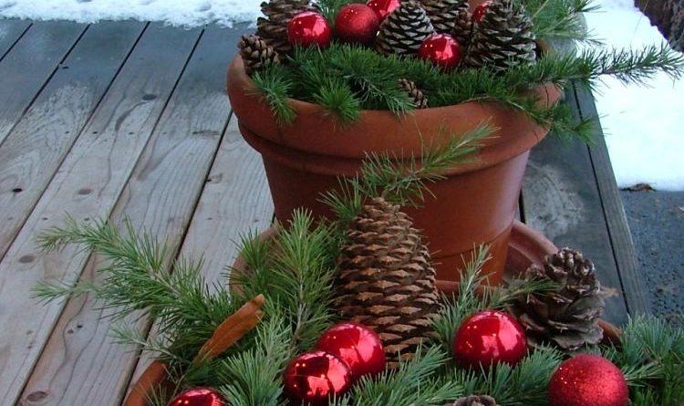 Новогодний декор веранды