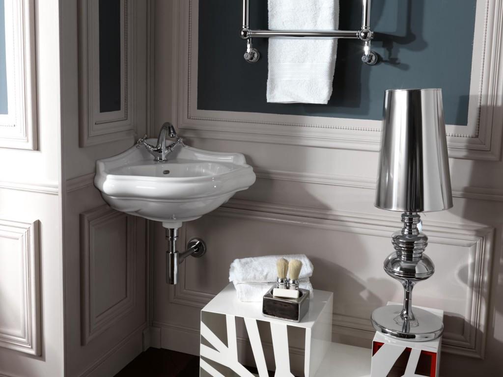 Дизайн маленькой ванной с угловой раковиной