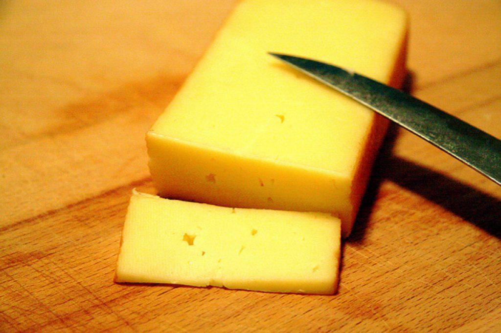 Как резать сыр на ассорти