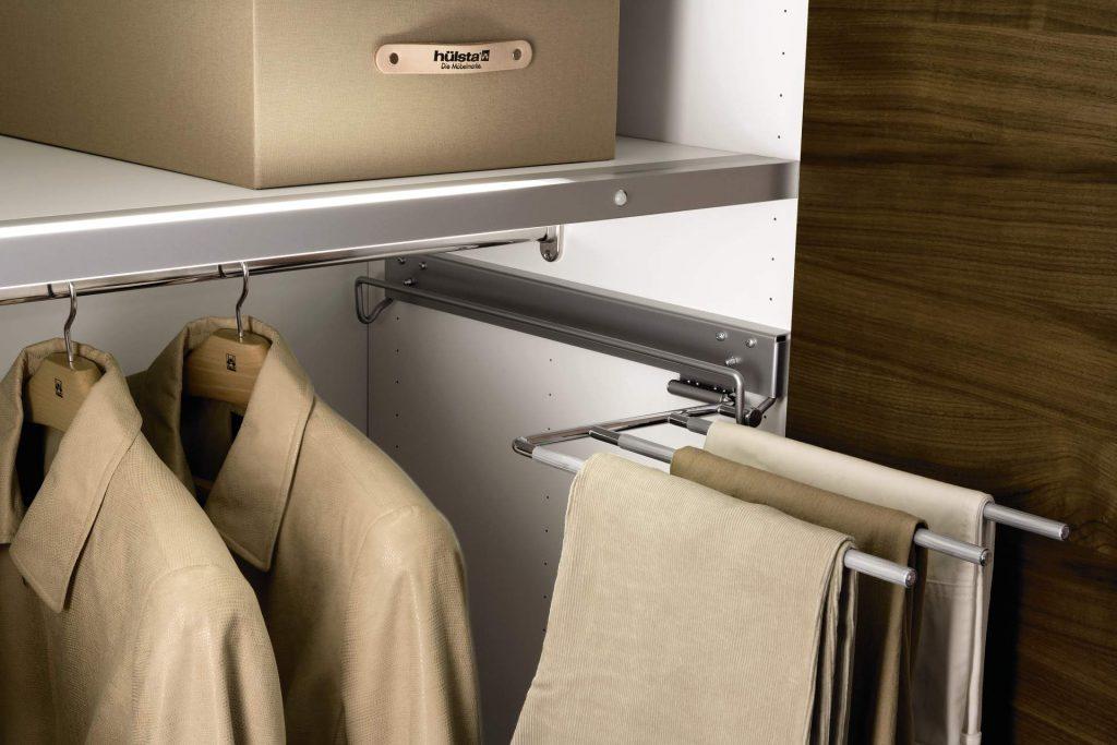 Вешалка для брюк и юбок в гардеробную