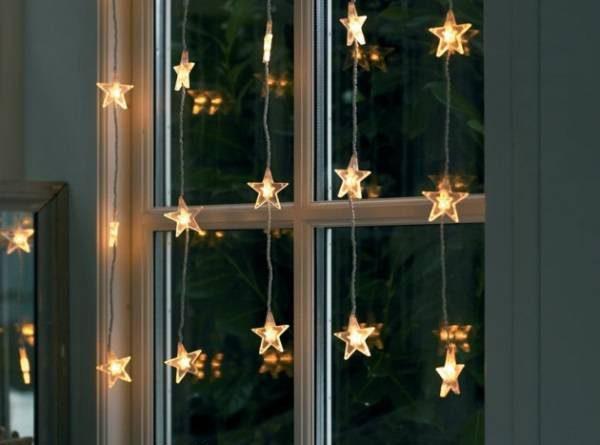 Как украсить окна гирляндой