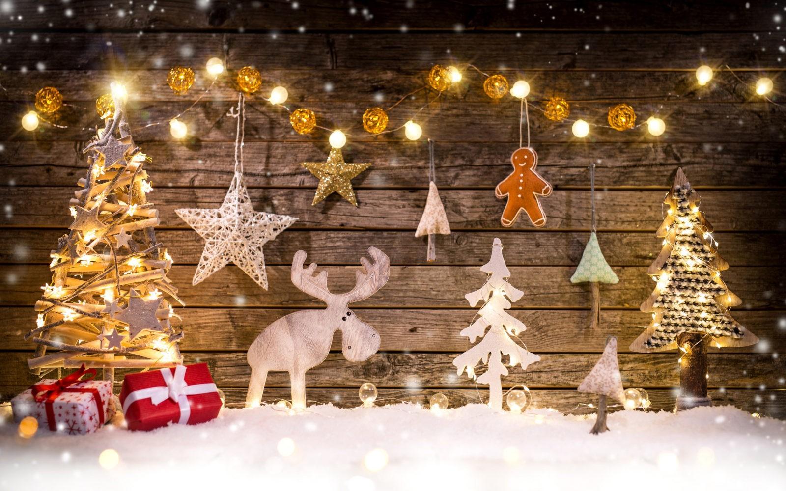 Новогодние украшения: создаем праздничный декор к 2019 году