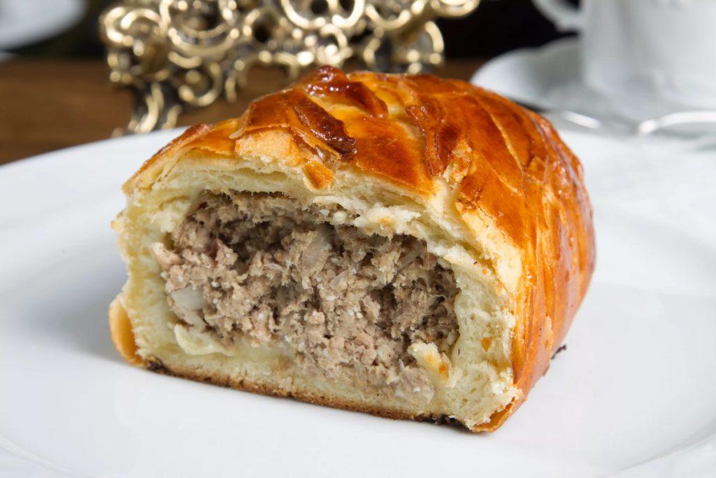 Пирог с мясом к Новому году 2019