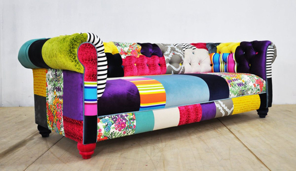 Старый диван? Расскажем как его «спрятать»