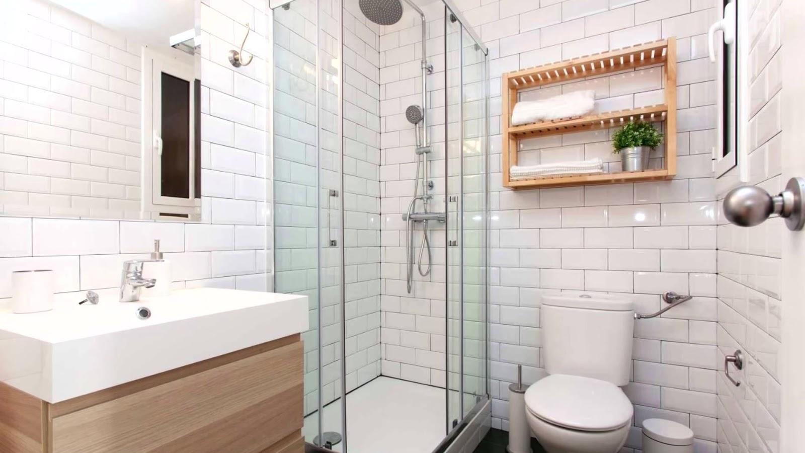Чем оклеить стены в ванной: популярные варианты