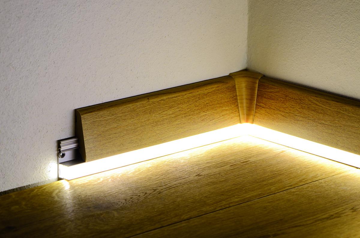 Напольный плинтус с подсветкой: плюсы и минусы