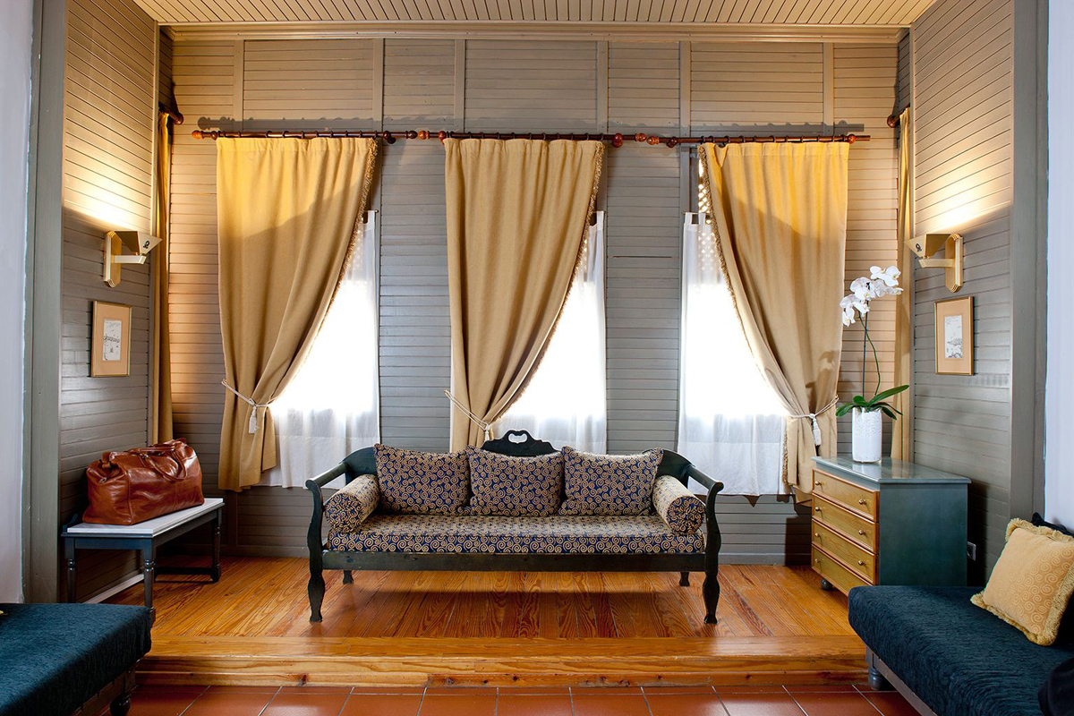 Оформление интерьера шторами: стоит обращаться к дизайнеру или можно сэкономить?