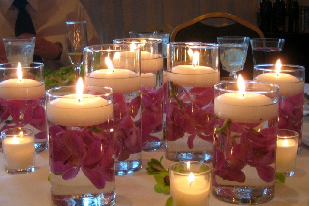 Как украсить дом свечами 14 февраля?
