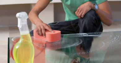 Стеклянные столы на кухню: чем хороши и как ухаживать?