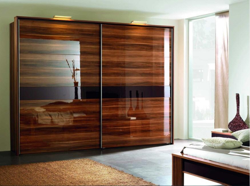 Шкафы-купе и подвесные системы для них: основные преимущества