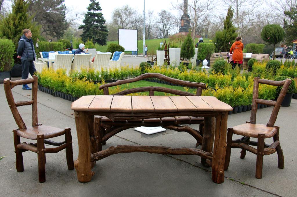 Самые популярные виды мебели для дачи