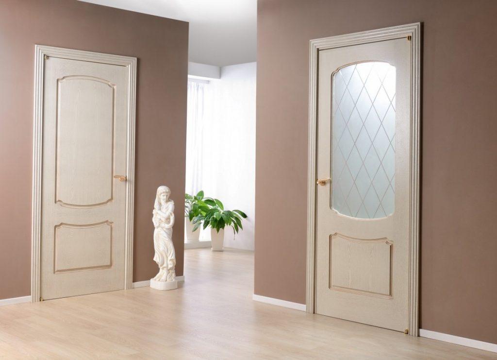 Белые двери в интерьере: подойдут ли они для интерьера