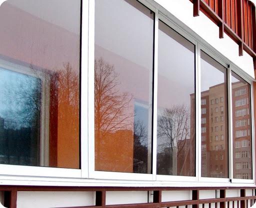 Тонкости холодного остекления балконов