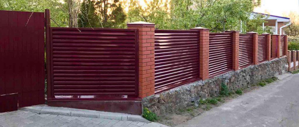 Где можно купить забор в СПб? Правильный выбор
