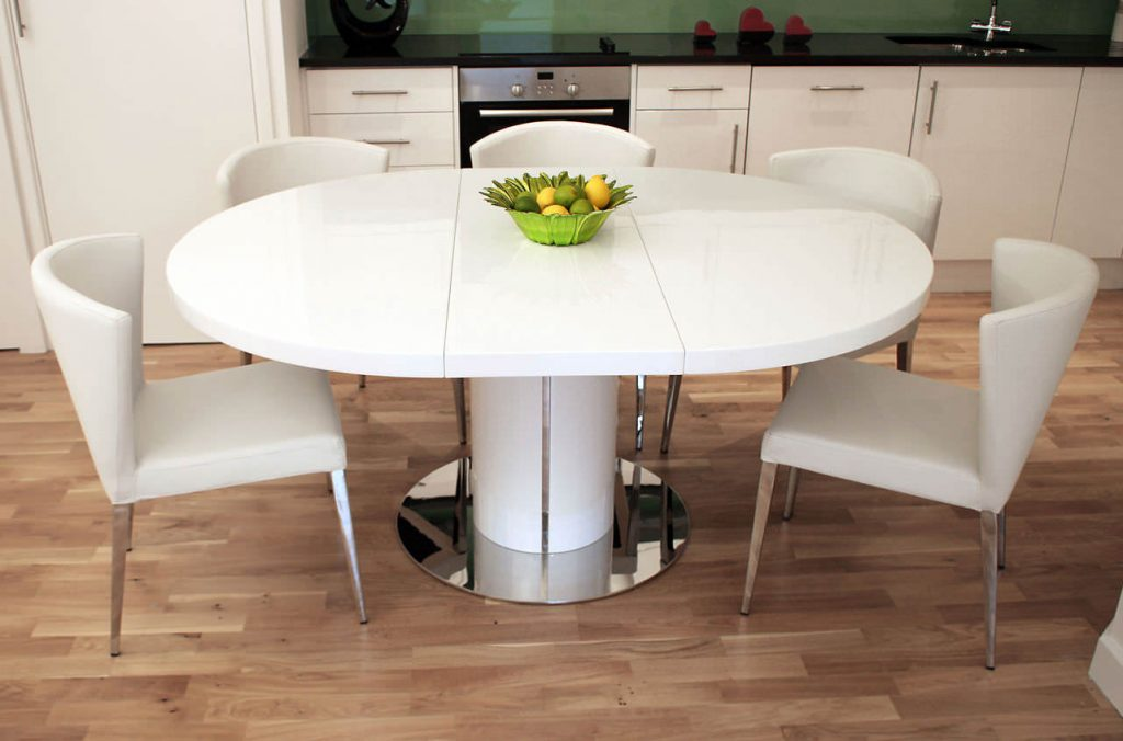 Какую форму обеденного стола предпочесть