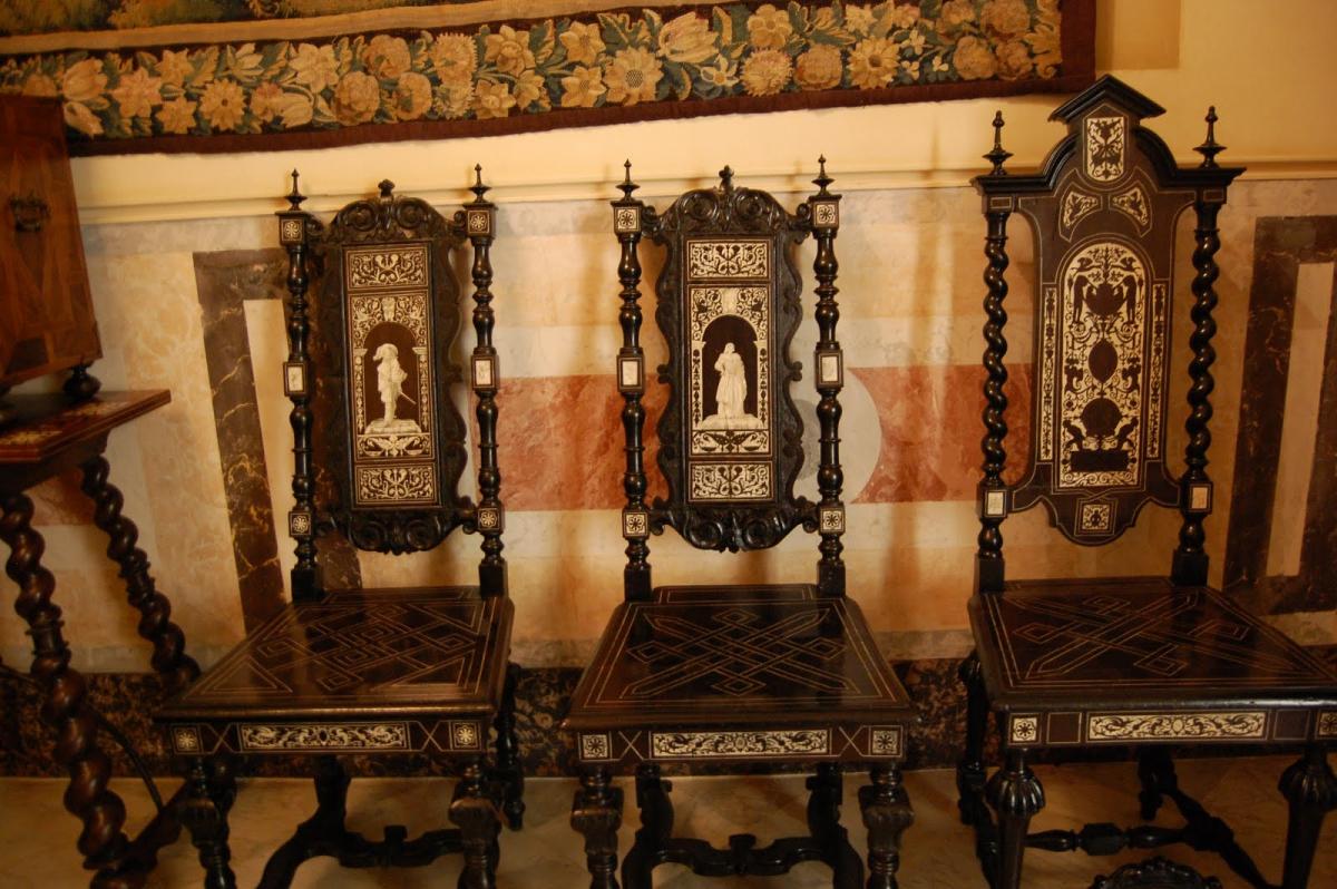 Мебель в средневековом стиле своими руками 60